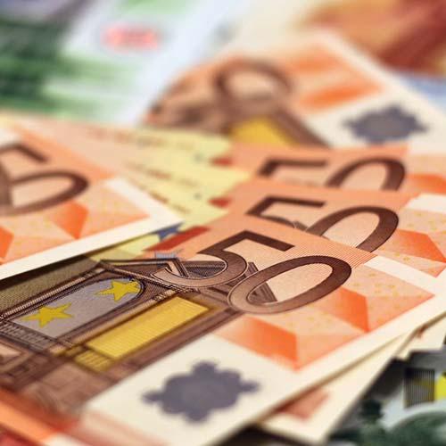 Den Geldverlust oder Kaufkraftverlust mit Aktienfonds ausgleichen und dabei von attraktiven Konditionen profitieren.