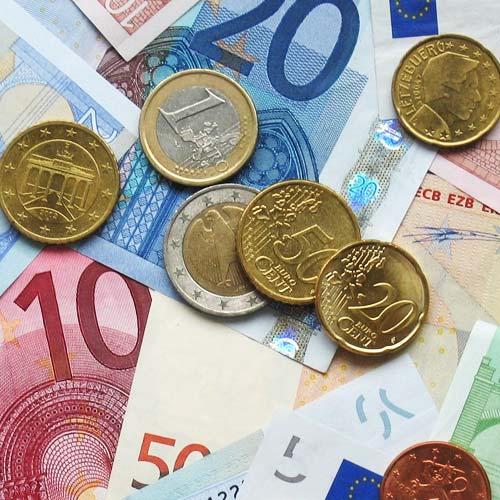In einen Investmentfonds wird das Geld mehrere Anleger gebündelt. EIn Fonds wird von der Fondsgesellschaft aufgelegt.